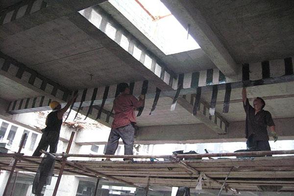 湖北省監利一廠房主結構開裂加固_房屋結構檢測與加固