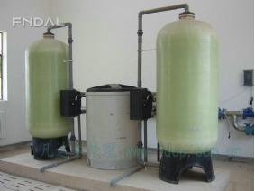 双阀双罐同时供软化水设备