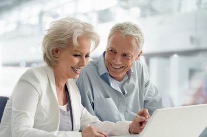 老人戴好助听器听力反倒会提高