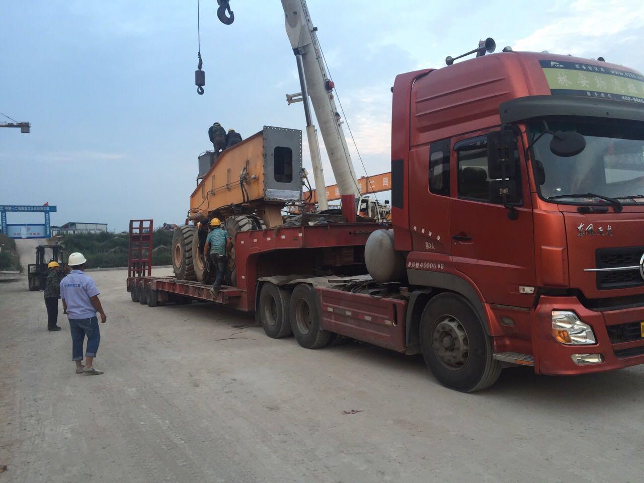 元邦挖机运输