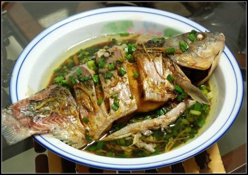 清蒸鲫鱼家常做法加盟卤菜的做法熟食实体店配方培训