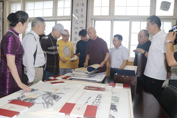 刘炜东写意海南艺术品鉴研讨会在河南二七书画院举行
