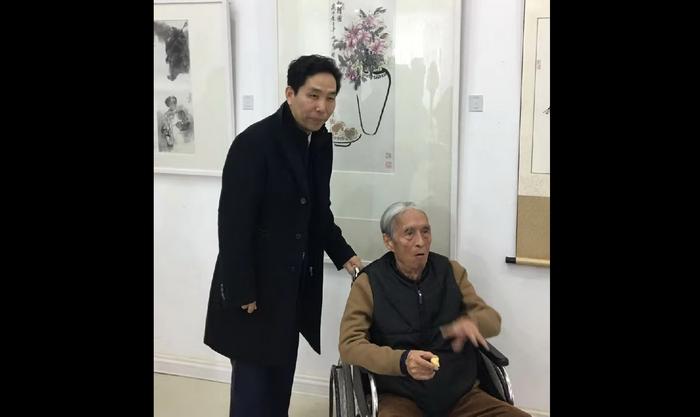 副院长张峰和中国美术家协会副主席中国画研究院院长刘勃舒